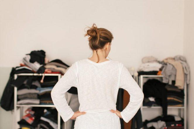 clutter-depression-woman-wardrobe-standard_5f39046957a0fc9283ed28a3497c5b35_1280x854_q85-830x553
